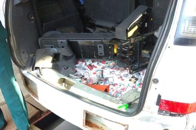 Таможенники МАПП Морское пресекли попытку провезти 4 тыс. пачек сигарет