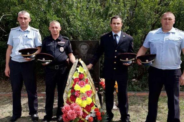 В Курманаевском районе почтили память Роберта Минасяна.