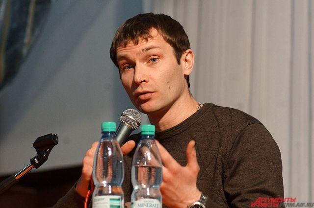 Актёр принял участие в съёмках во время своего отпуска.
