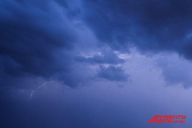 Грозы и дожди пройдут на большей части Пермского края.