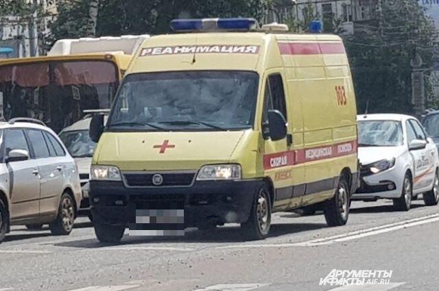Женщина на Honda Fit спровоцировала массовое ДТП на трассе под Омском