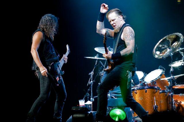 Metallica исполнила песню Виктора Цоя «Группа крови» на концерте в Лужниках