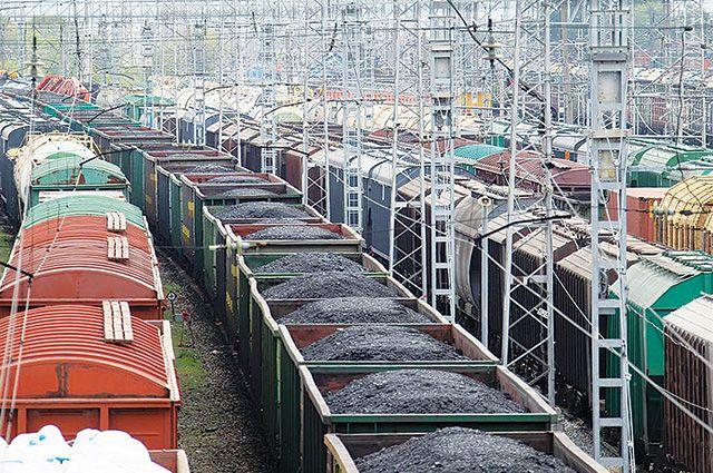В пять часов утра 19 вагонов с углём были отбуксированы на станцию Сосногорск.