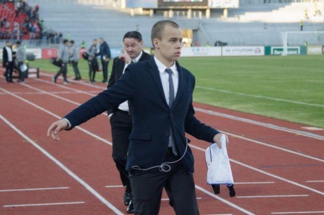 Станислав купил билет в Москву, как сам написал, в один конец