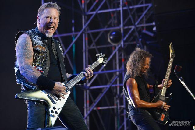 В Сеть выложили «шпаргалку» музыкантов Metallica с текстом «Группы крови»