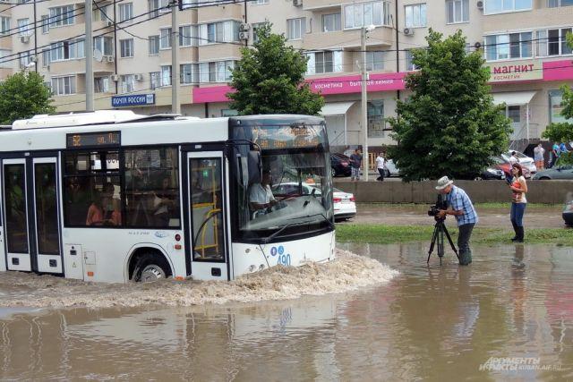 Больше всего пострадала от потопа улица Московская в Краснодаре.