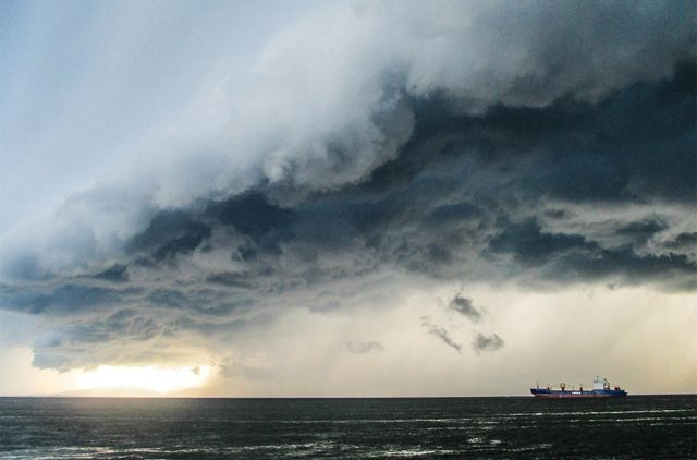 Тайфуны и циклоны приходят в Приморье летом.