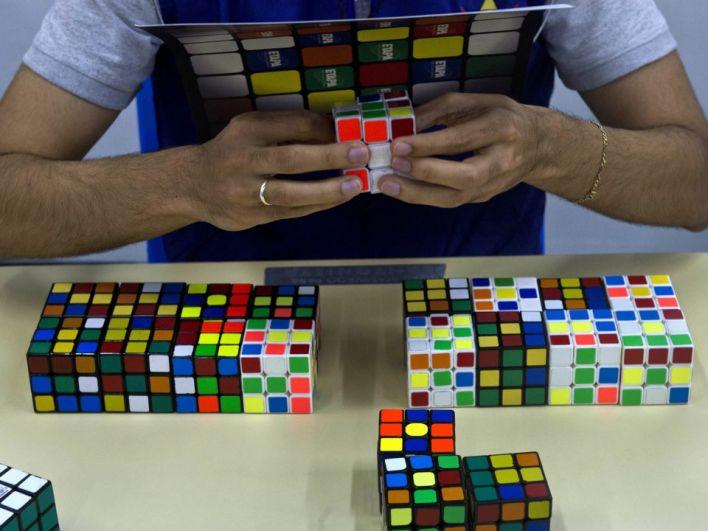 6 апреля австралиец Джек Кай установил (а вернее - обновил) рекорд по скоростному сбору кубика Рубика. Джек Кай собрал кубик Рубика за 16,22 секунды, обновив рекорд на 0,31 секунды и при этом, собирал он его с завязанными глазами!