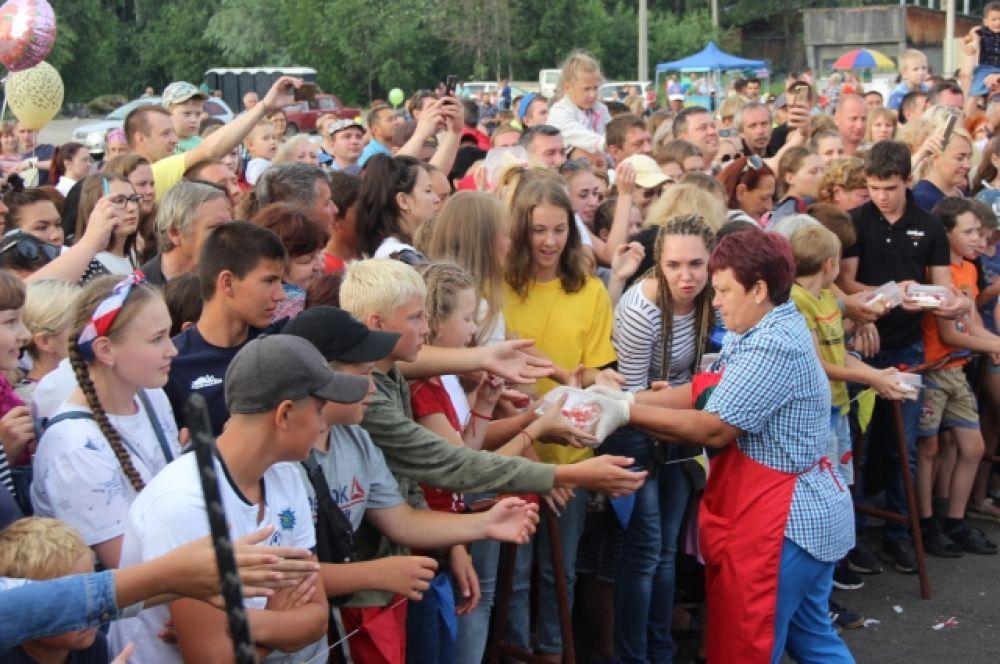 За три дня праздника на нём побывало более десяти тысяч гостей
