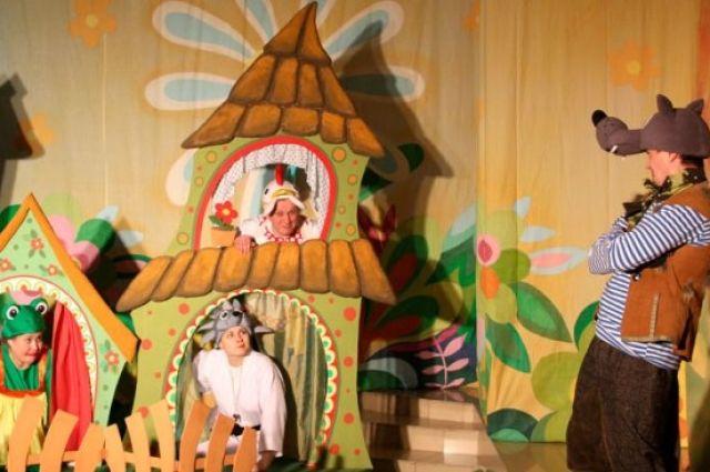 Актёры тарского драмтеатра рассказали детям об электротравматизме