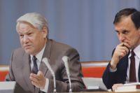 Борис Ельцин и Геннадий Бурбулис.