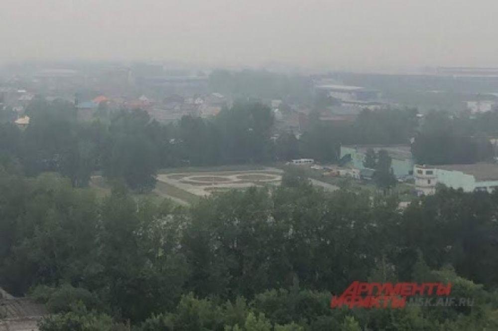 Сейчас задымлены 18 районов Новосибирской области.