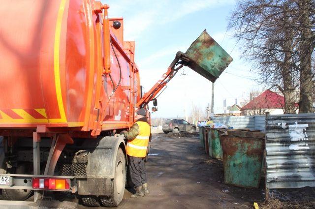 Омская РЭК пообещала всё-таки снизить тариф на мусор
