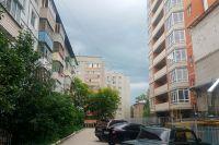 Соперничество новостроек и старых домов на улице Пестеля.