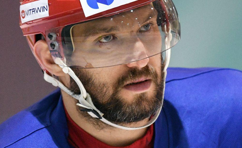 3-е место. Хоккеист Александр Овечкин, 33 года.