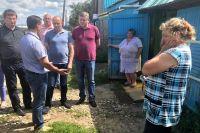 Сергей Сокол встречается с пострадавшими от стихии.