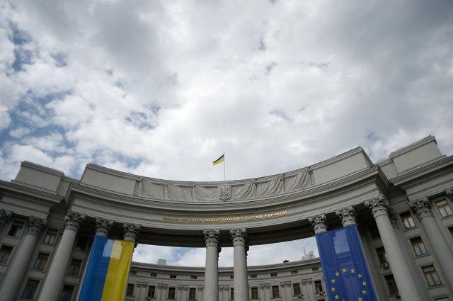 В МИД осудили задержание участников мирных протестов в Москве