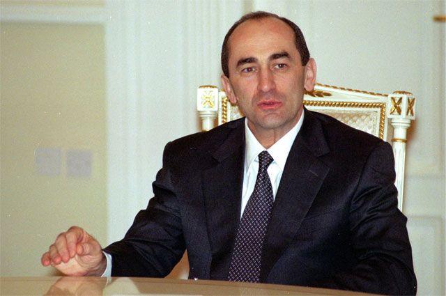 Роберт Кочарян.