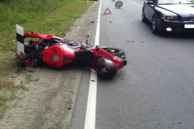 24-летний мотоциклист пострадал из-за несоблюдения дистанции