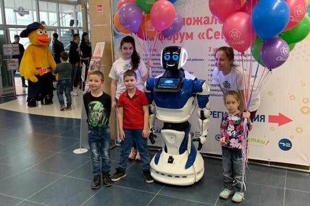 Тюменцы считают, что робот сможет заменить человеку друга лишь частично