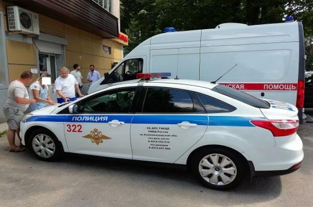В Калининграде столкнулись машина скорой помощи и легковушка