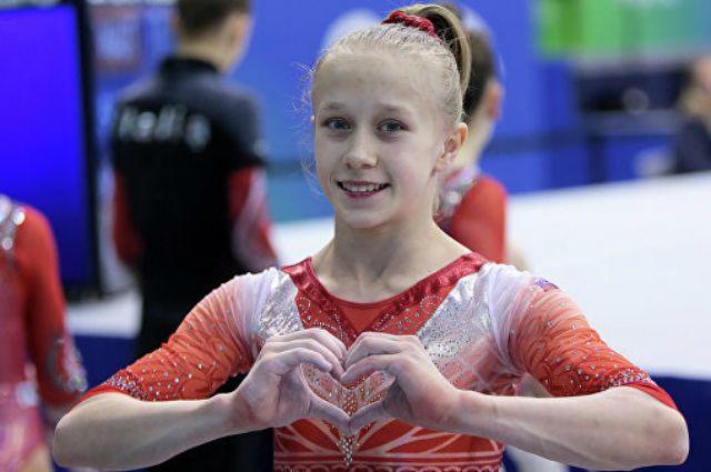 Виктория Листунова любит ивольные упражнения, иопорные прыжки, ибрусья.