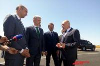 В Саракташском районе министр Дитрих проверил ход ремонта трассы
