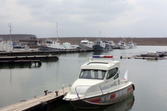 Передача управления судном лицу, не имеющему права управления, теперь штрафуется на 10 000–15 000 рублей.