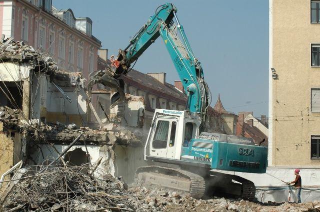 Два кирпичных общежития всё же снесут.