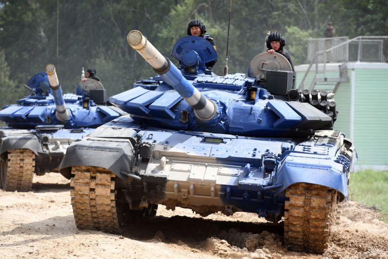 Танки Т-72Б3 команды армии Киргизии.