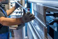 На Кубани семь тысяч предприятий металлургии, машиностроения, химического комплекса, лёгкой и стекольной промышленности, деревообрабатывающих и мебельных производств, производителей целлюлозно-бумажных изделий, предприятий строительных материалов.
