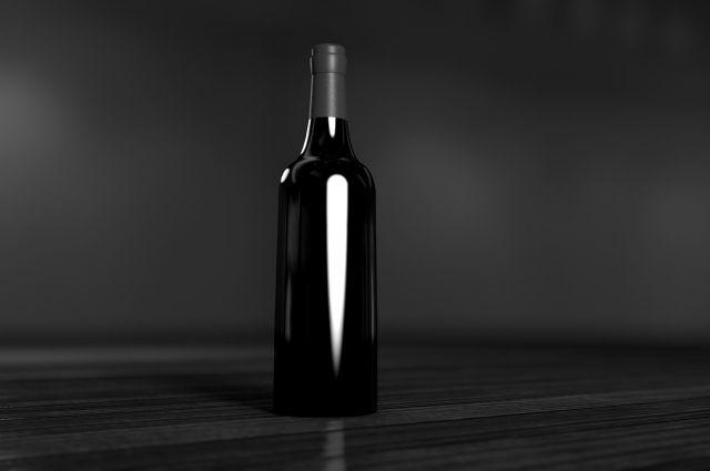 Тюменец, продававший алкоголь через мессенджер, заплатит 400 тысяч рублей