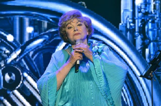 Эдита Пьеха одной из первых стала отмечать дни рождения на сцене