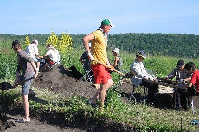 Археологические раскопки — в первую очередь, планомерная и кропотливая работа.