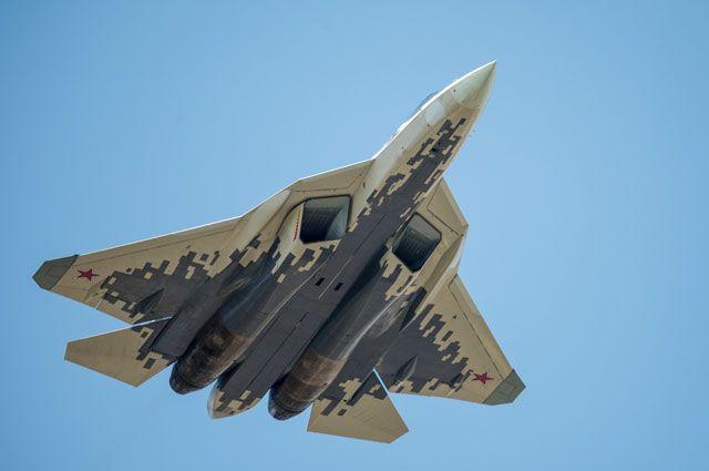 Многофункциональный истребитель Су-57.