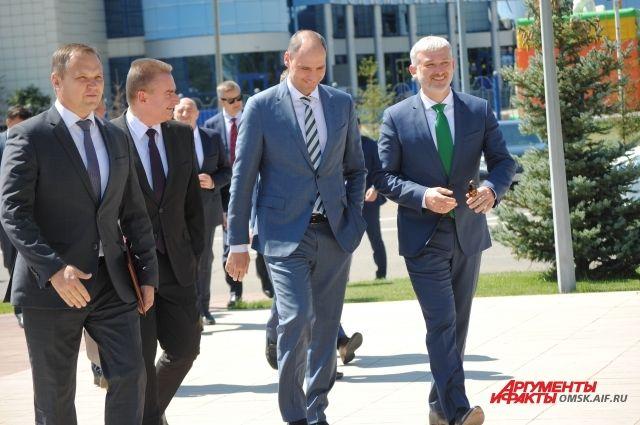 В Оренбурге с официальным визитом побывал министр транспорта РФ Евгений Дитрих.