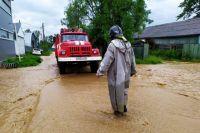 Спасатели разрываются: где-то нужно эвакуировать из-за паводка, где-то - из-за пожаров.