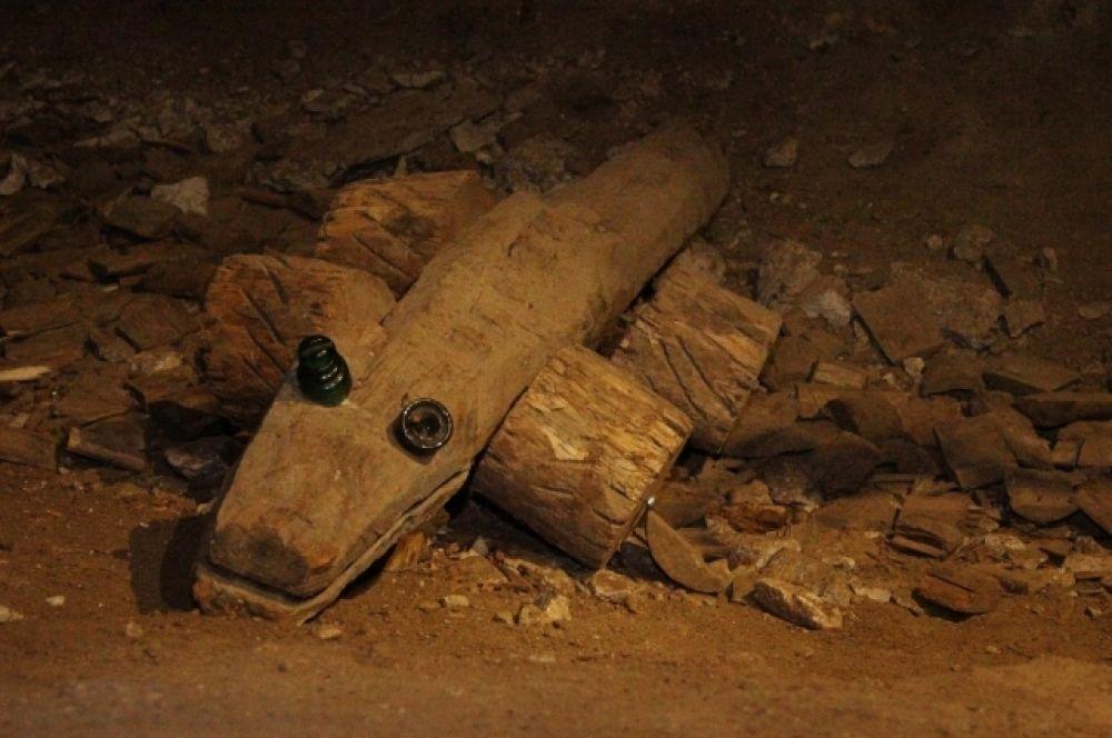 Посетители Сокских штолен создают в подземелье арт-объекты.