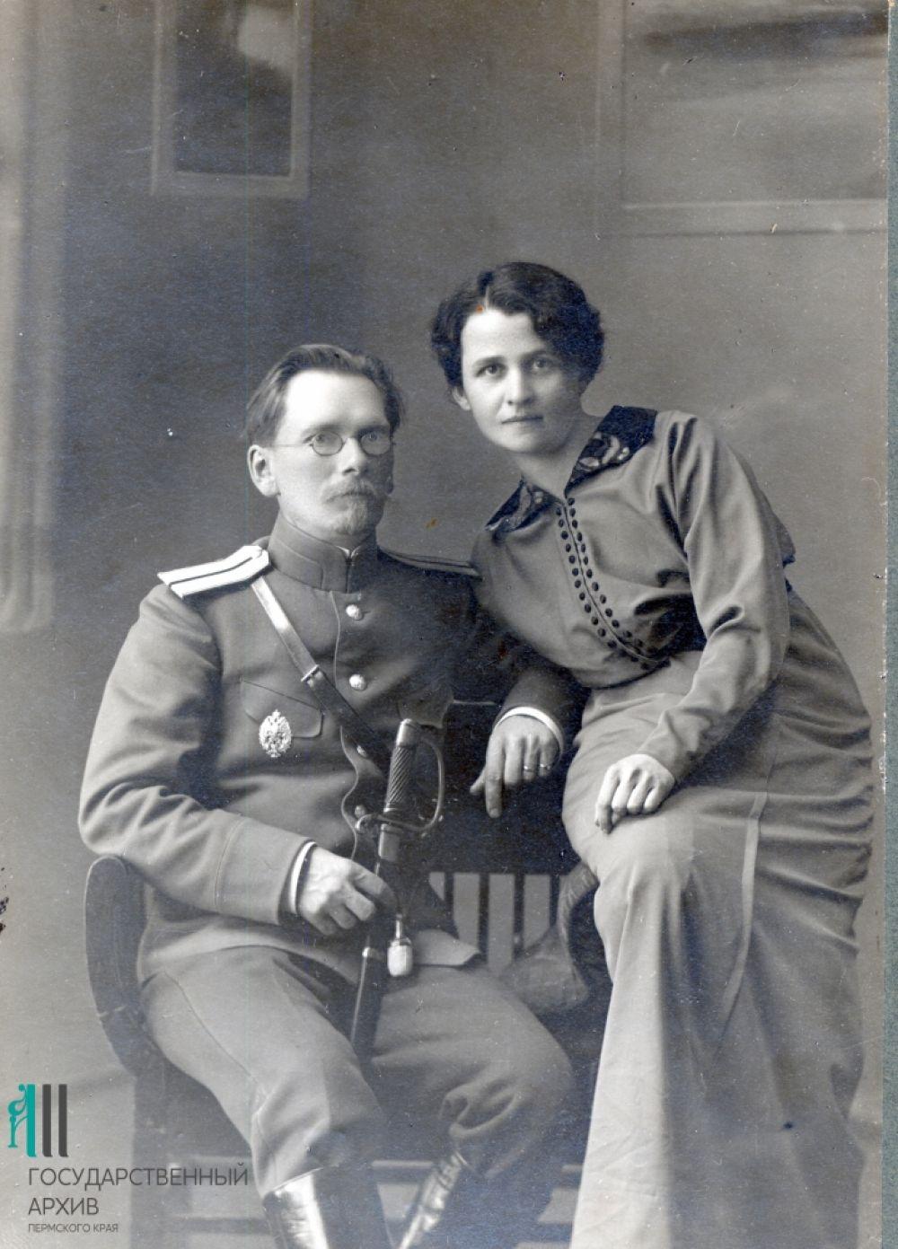 Пермские врачи-участники Первой мировой войны Михаил Бажанов и его жена Клавдия Серебрякова-Бажанова.