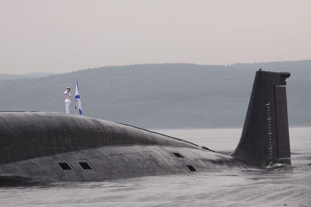 Гости увидели ракетные подводные крейсеры «Юрий Долгорукий», «Орёл» и дизель-электрическую подводную лодку «Калуга».