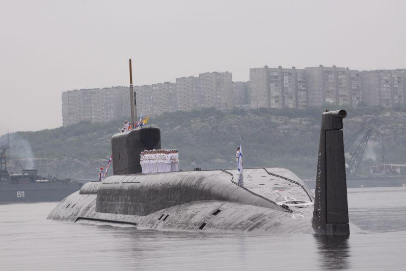 В празднике приняли участие три подводные лодки.