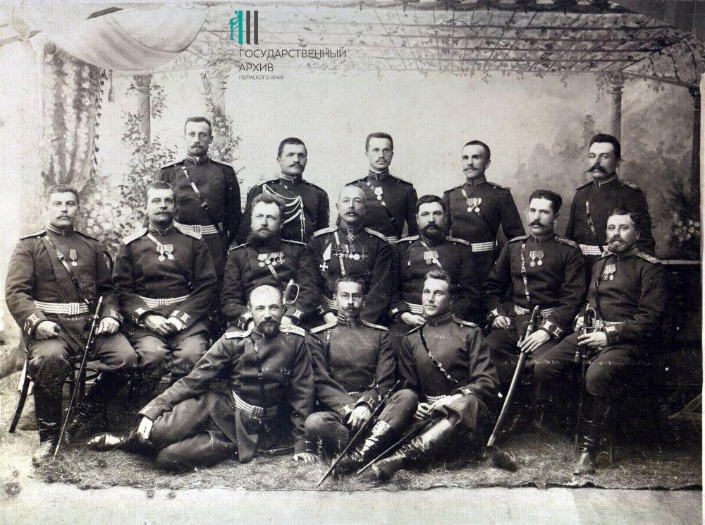 Офицеры в парадной форме. 1914-1916 годы.