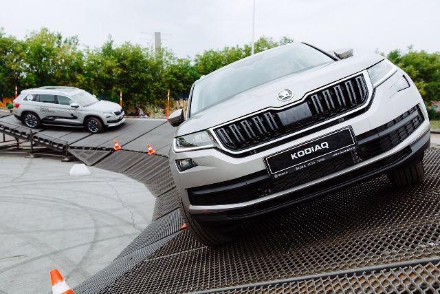 Трассу создали из специальных конструкций, позволяющих продемонстрировать все возможности автомобиля.