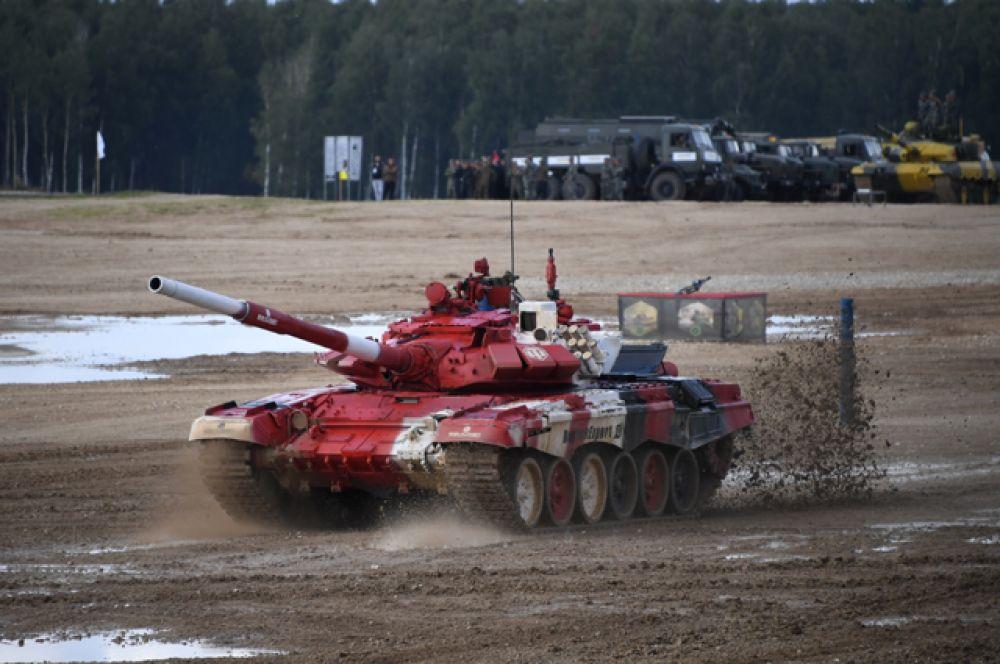 Танк Т-72Б3 команды армии Белоруссии.