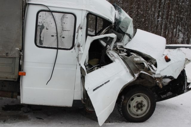 Пассажир серьёзно пострадал в ДТП.