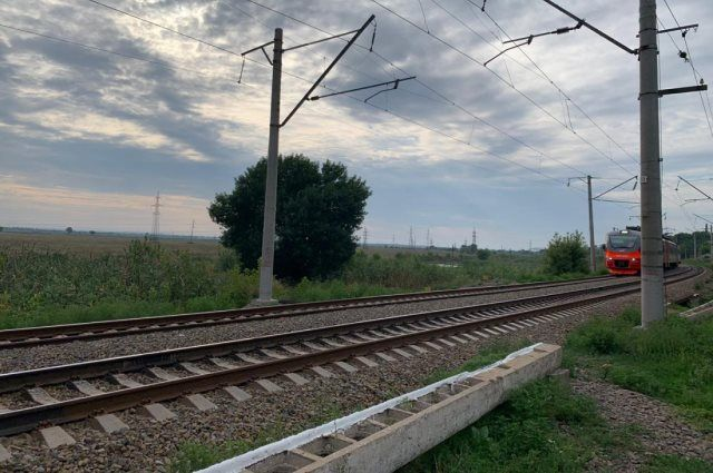 Мужчина попал под поезд рано утром 4 августа.