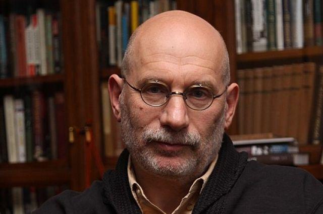 Писатель Акунин рассказал, что думает о присоединении Крыма
