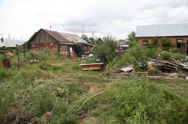 В Нежинке мужчина убил брата и закопал его тело во дворе