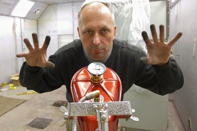 Владислав Каширский занимается созданием необычных скульптур и миниатюр около пяти лет.