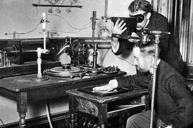 Получение рентгеновского изображения, конец XIX века.